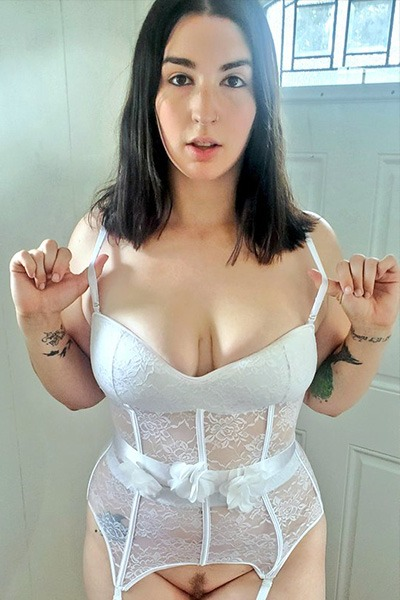 Babe of the Day - Paige Steele