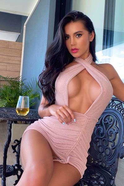 Babe of the Day - Elena VX