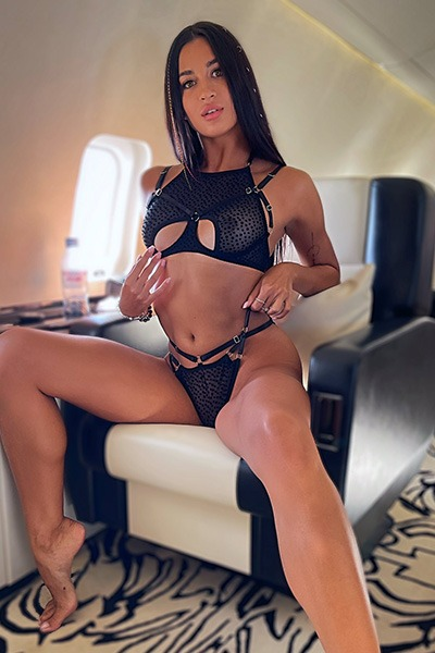 Babe of the Day - Victoria Mur