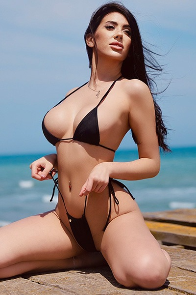 Babe of the Day - Mallorie Reese
